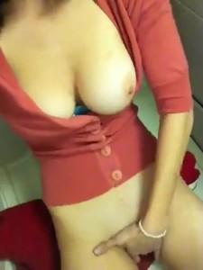 Hannah Murray Busty amateur toilet masturbation