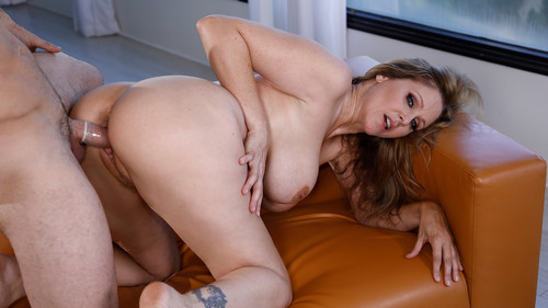Wicked Pictures: Julia Ann - My Girlfriend's Mom (1080p)