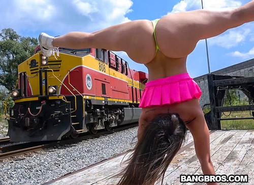 Public Bang: Kelsi Monroe - Taking This Big Ass Around Town (1080p)