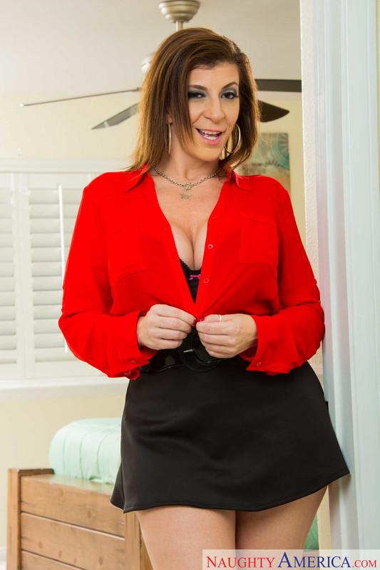 Sara-Jay-My-Friends-Hot-Mom-Photo-Shoot-From-Naughty-America-3644jflt6c.jpg