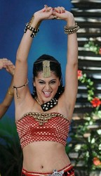 Tapsee Pannu spicy dance