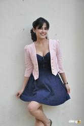 Disha Pandey flaunts her hot cleavage