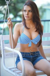 Sherlyn Chopra Deep Cleavage Show