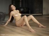 Arina in Nude Life w6nmakecza.jpg