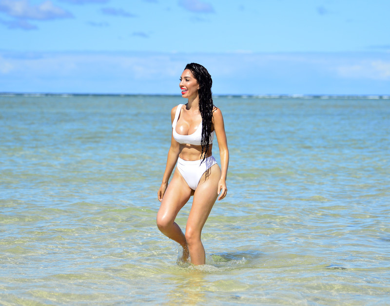 Farrah Abraham, shows off her amazing body during a day on the beach in Fiji