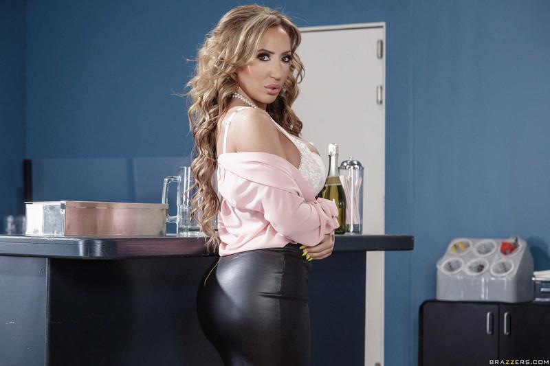 Richelle Ryan - Christening The Cougar