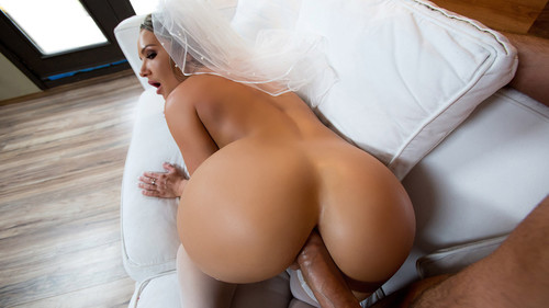 Big Wet Butts: Cali Carter - Big Wet Bridal Butt (1080p)