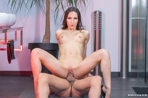 Private - Lilu Moon Exhibiting Her Perfect Body (1080p)
