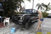 Sophia-Leone%2C-Luna-Star-Miami-Car-Wash-07-12-56q9494mrk.jpg