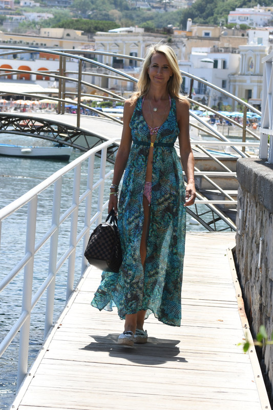 Victoria Hervey was in a pink bathing suit at the Hotel Regina Isabella, Italy