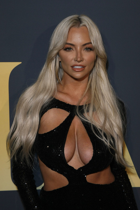 Lindsey-Pelas-at-the-MAXIM-Hot-100-Experience-held-at-the-Hollywood-Palladium--46qqf7k3it.jpg
