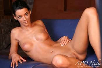 Stephanie--Near-Perfect-i6xiw0mmjy.jpg
